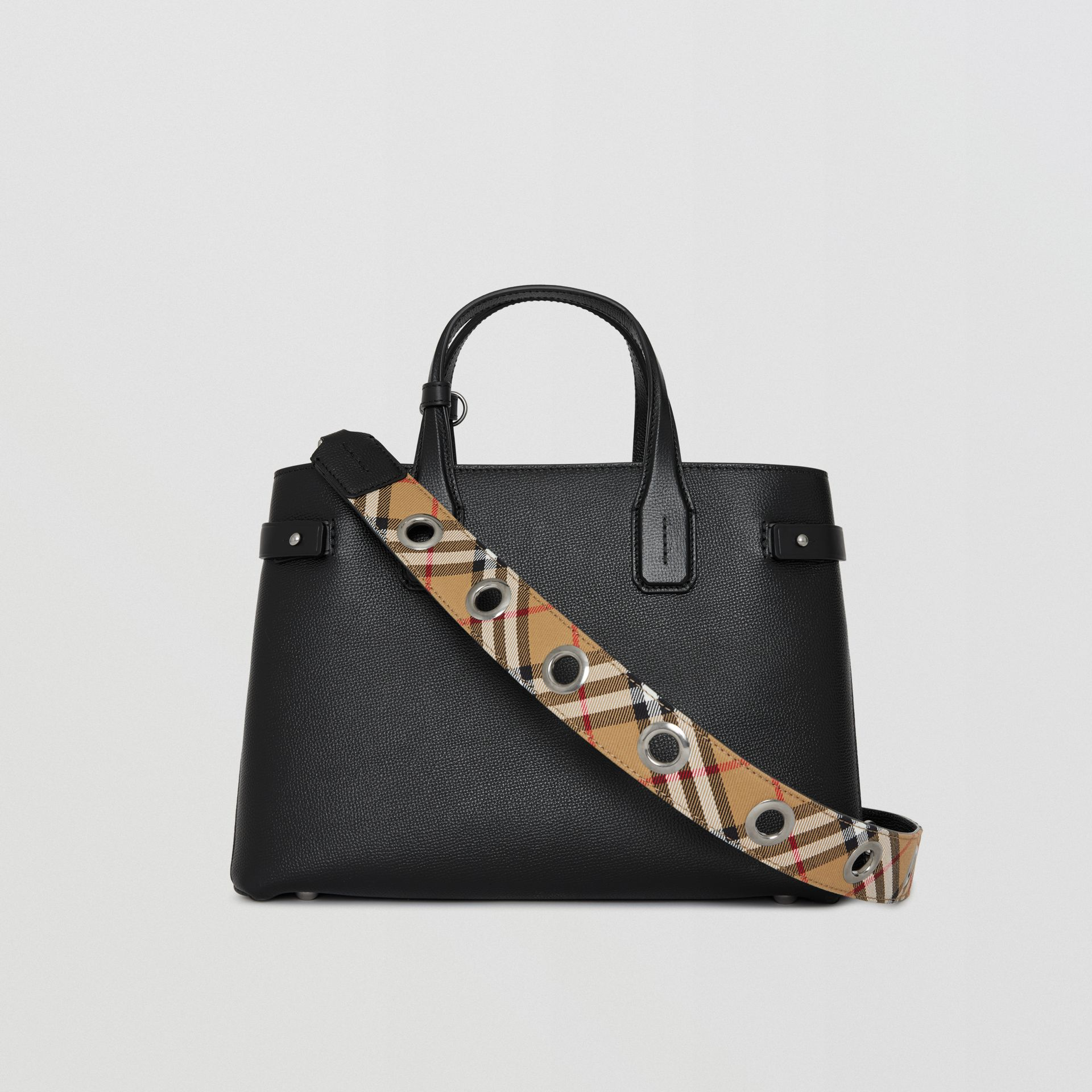 The Medium Banner in Leather with Grommeted Strap in Black - Women | Burberry United Kingdom - gallery image 5