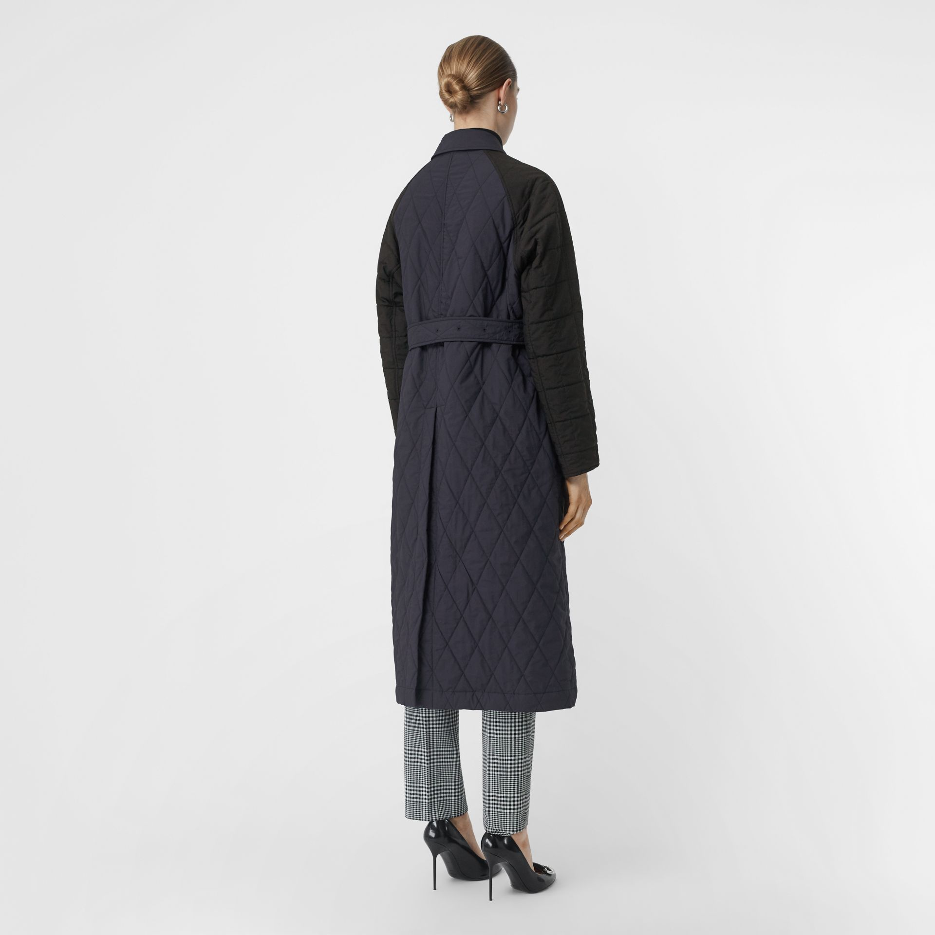 Reversible Contrast Sleeve Quilted Cotton Car Coat in Navy - Women | Burberry - gallery image 2