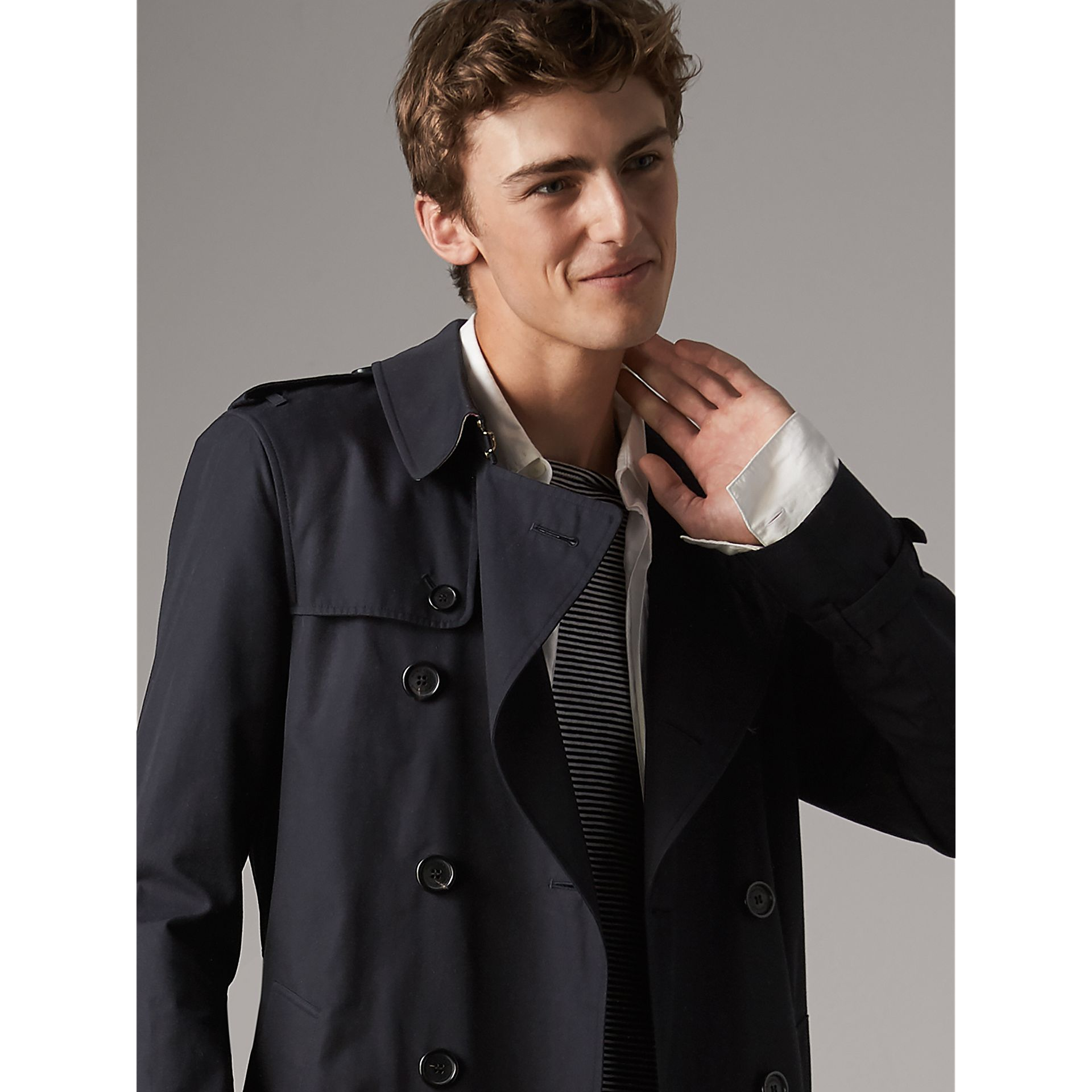 The Sandringham – Long Trench Coat in Navy - Men | Burberry United Kingdom - gallery image 5