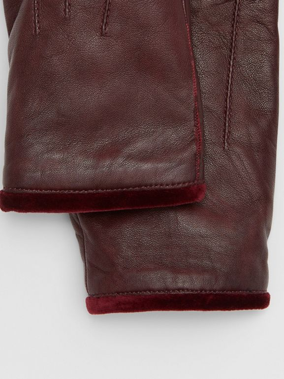 Cashmere-lined Lambskin and Velvet Gloves in Burgundy | Burberry - cell image 1