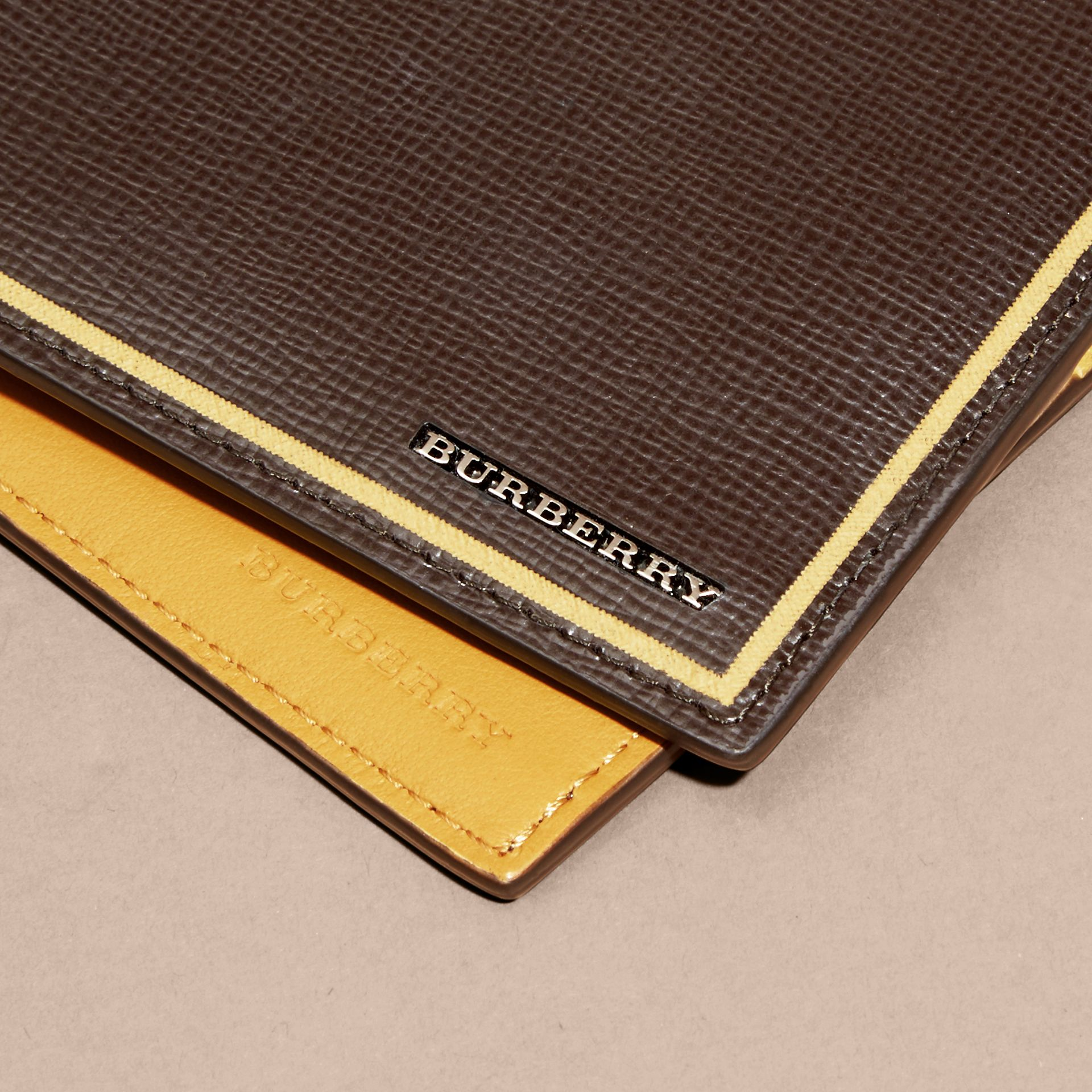 Peppercorn Border Detail London Leather Folding Wallet Peppercorn - gallery image 3