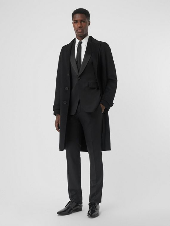 Classic Fit Wool Silk Tuxedo in Black