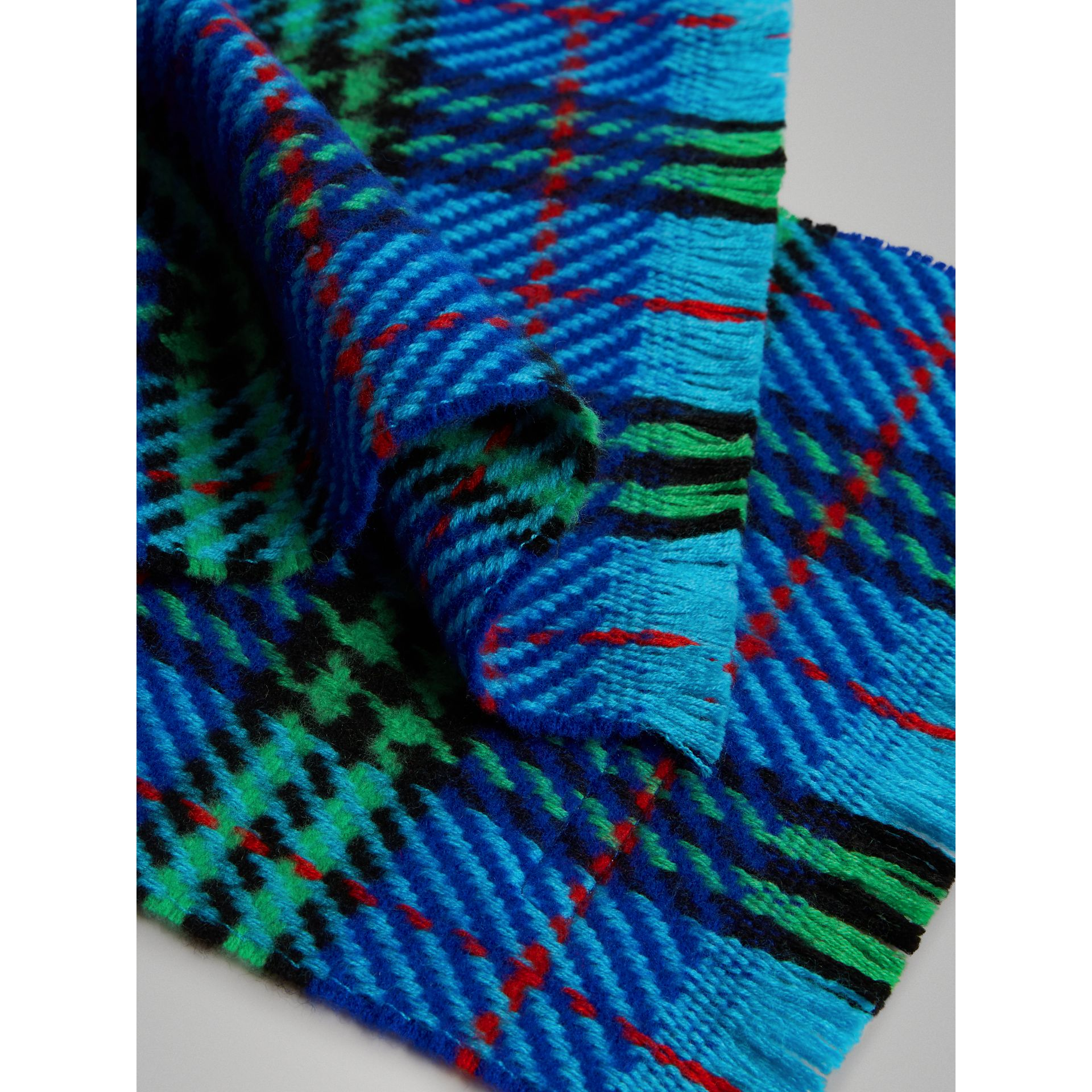 Vintage Check Merino Wool Scarf in Azure Blue | Burberry United Kingdom - gallery image 1