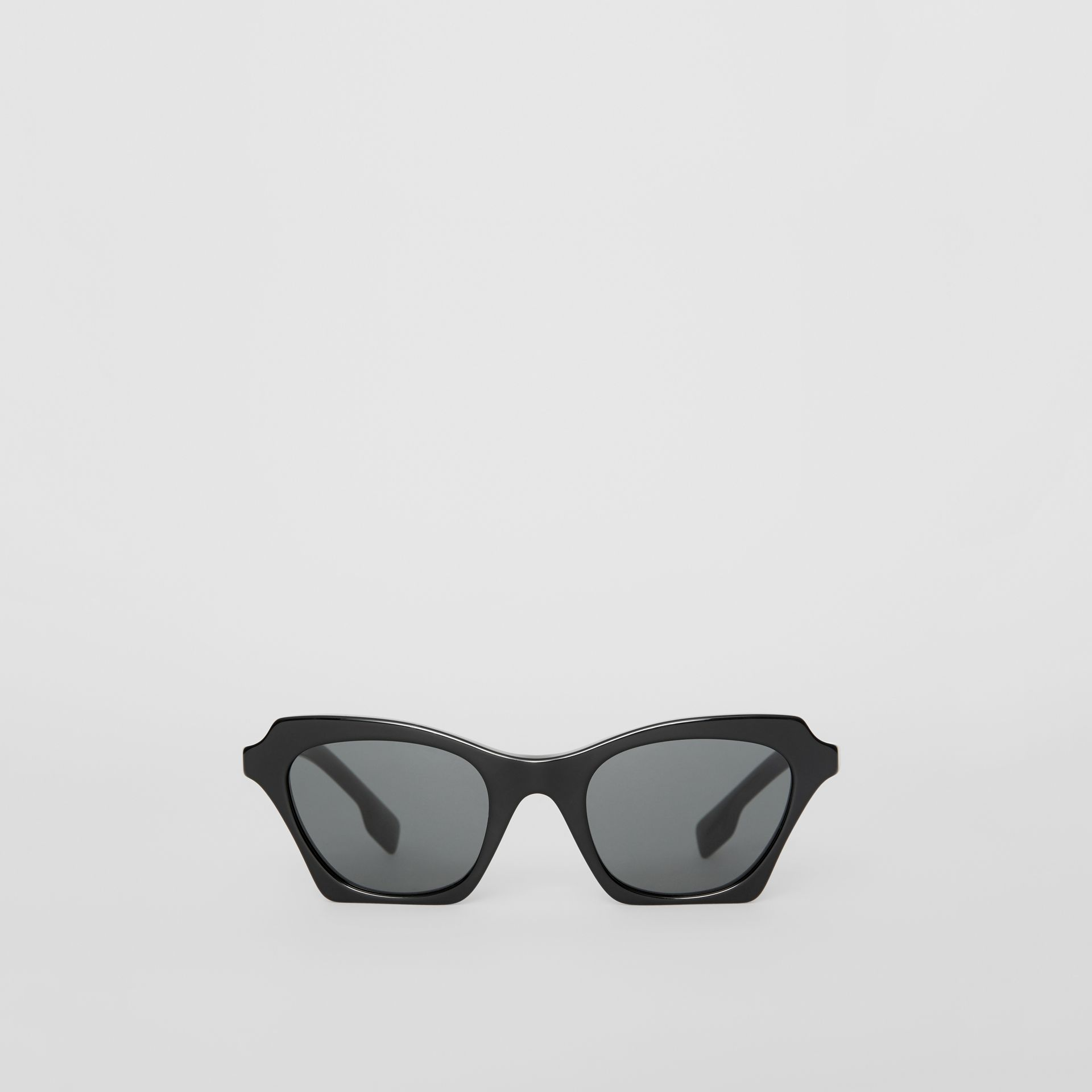 Butterfly Frame Sunglasses in Black - Women | Burberry Canada - gallery image 0