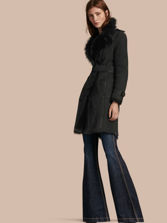 Trench coat de shearling Preto