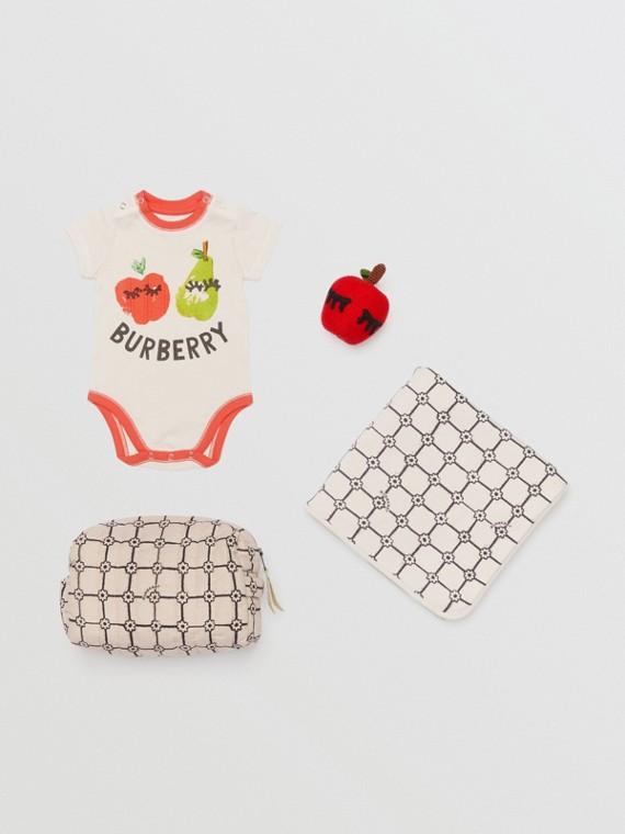 Dreiteiliges Baby-Geschenkset mit Obst- und Blumenaufdruck (Steinfarben)