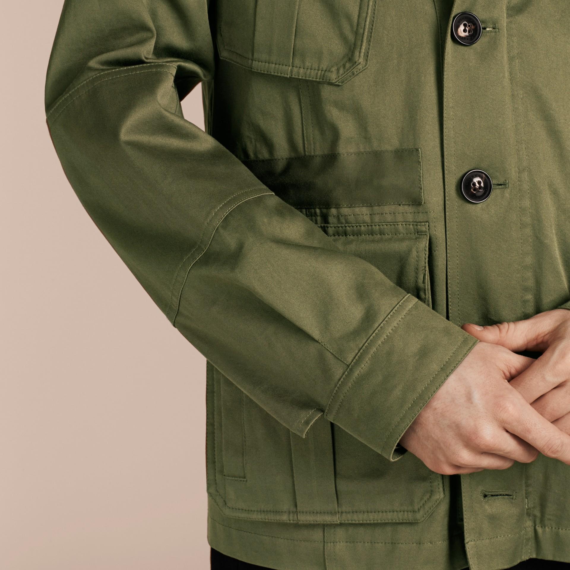 Verde oliva Jaqueta estilo militar de algodão com capuz - galeria de imagens 5