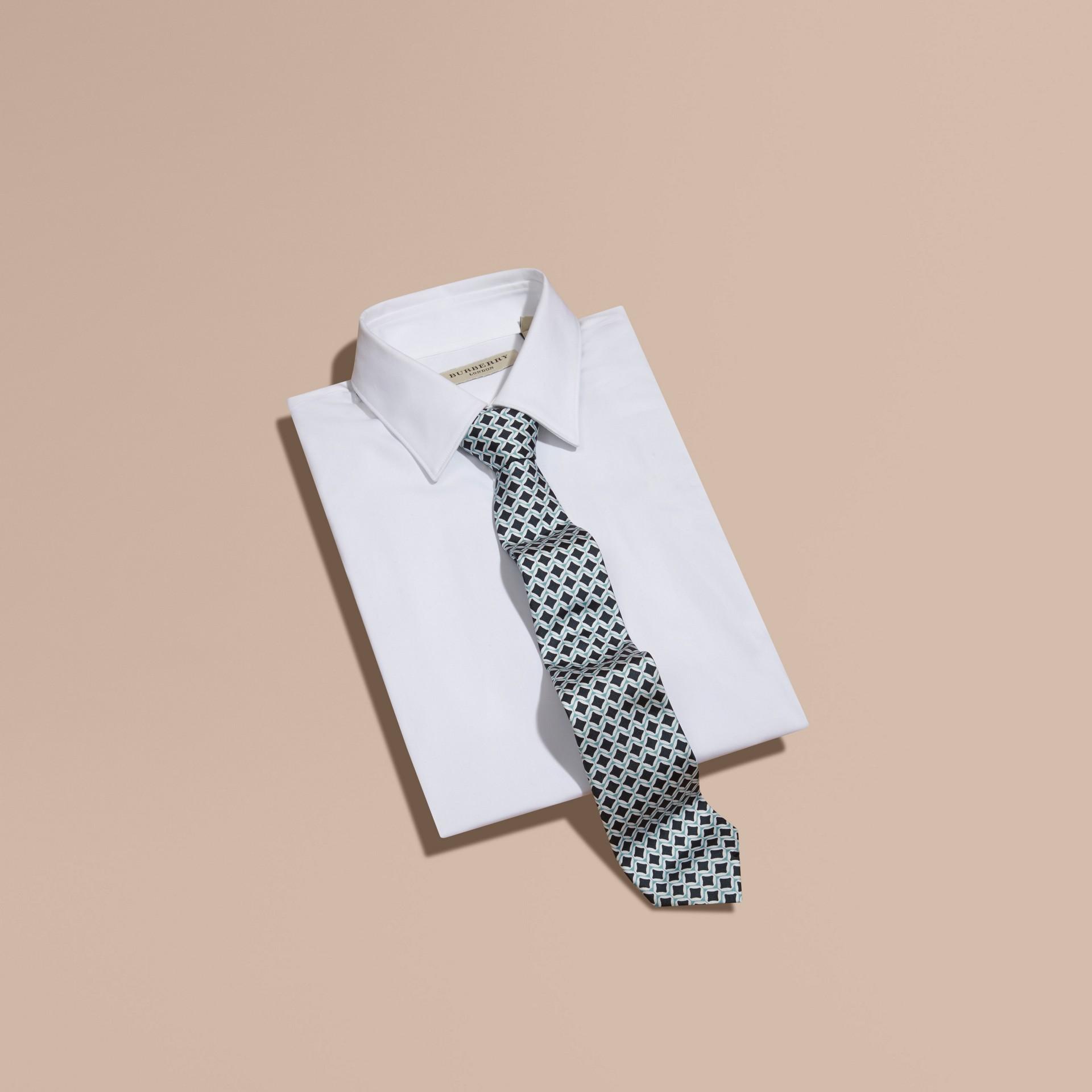 Vert eucalyptus Cravate moderne en soie à imprimé géométrique Vert Eucalyptus - photo de la galerie 3