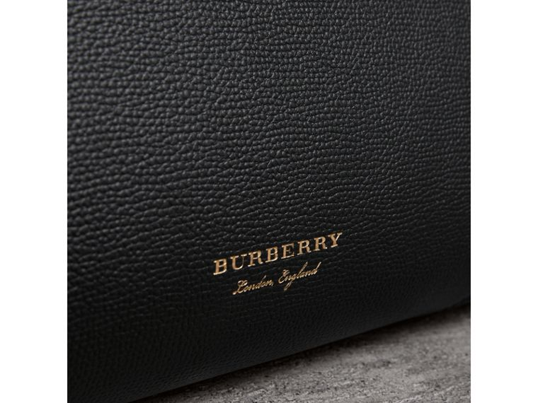 The Large Banner in Brogue Detail Leather in Black - Women | Burberry - cell image 4