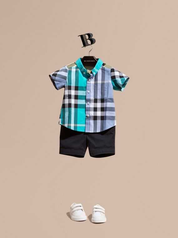 Short-sleeved Contrast Check Cotton Shirt in Cyan Green