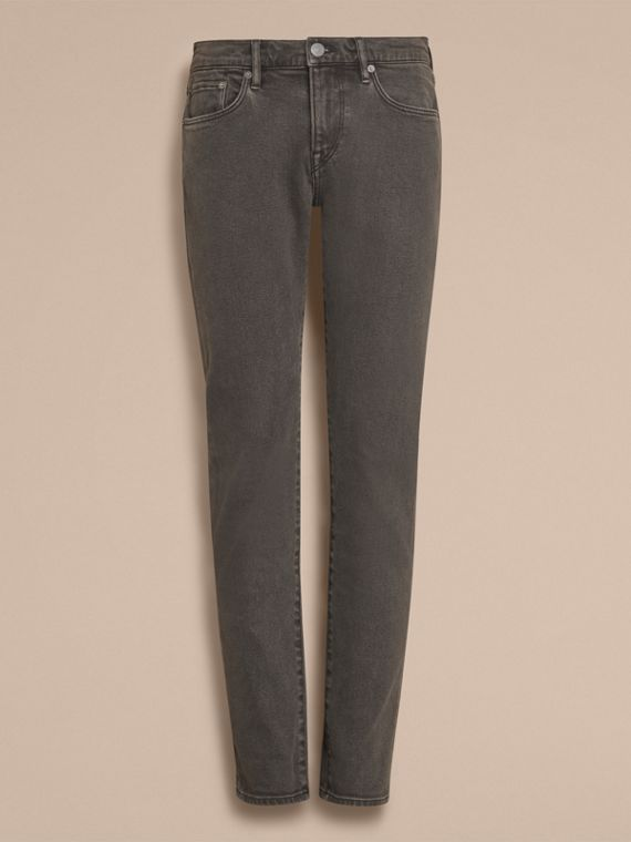Körperbetonte Jeans aus japanischem Stretchdenim - cell image 3