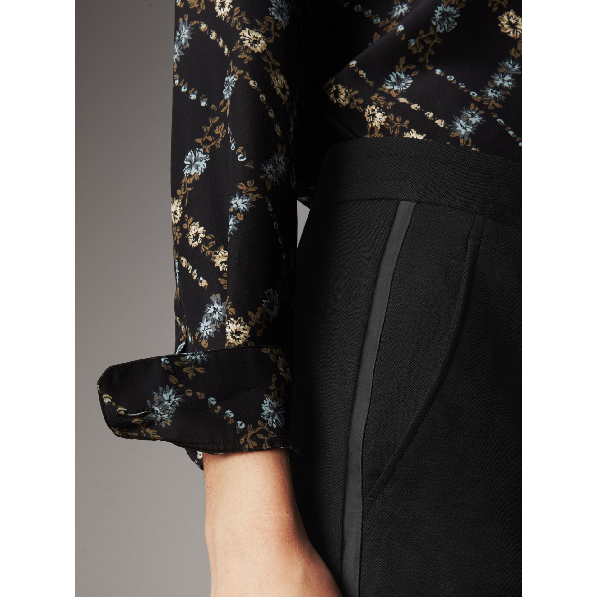 Ribbon Detail Tie-waist Wool Trousers in Black - Women | Burberry - gallery image 4