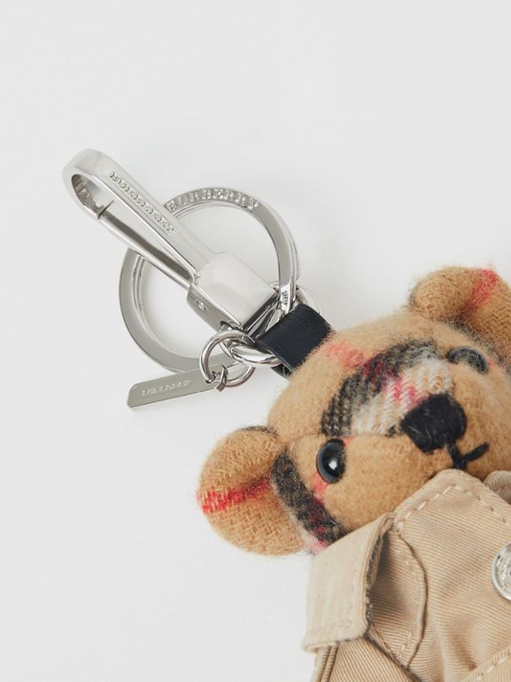 Bijou porte-clés Thomas Bear avec trench (Jaune Antique) | Burberry - cell image 1