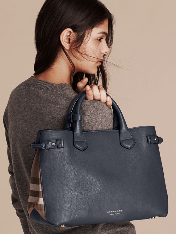 Sac The Banner medium en cuir et coton House check - Femme | Burberry - cell image 2
