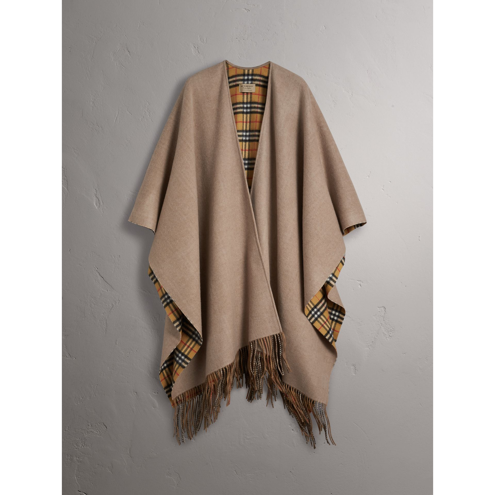 Reversible Vintage Check Cashmere Wool Poncho in Sandstone - Women | Burberry - gallery image 3