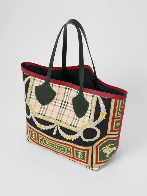 The Giant Reversible Tote in Archive Scarf Print Cotton in Dark Forest Green/burgundy - Women | Burberry Canada - cell image 2