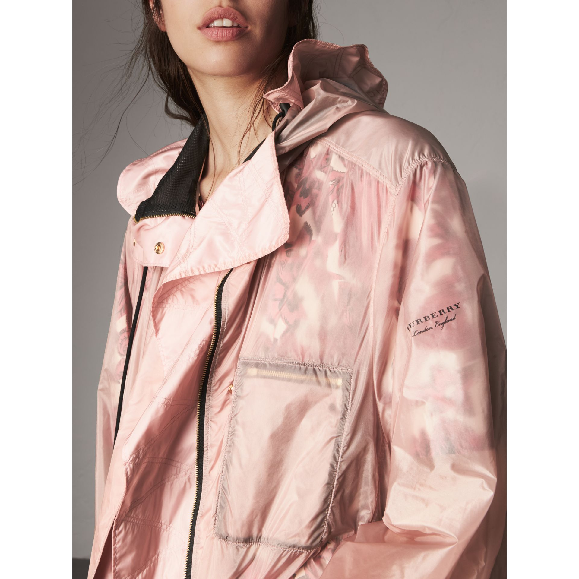 Hooded Lightweight Oversize Parka in Ash Rose - Women | Burberry - gallery image 2
