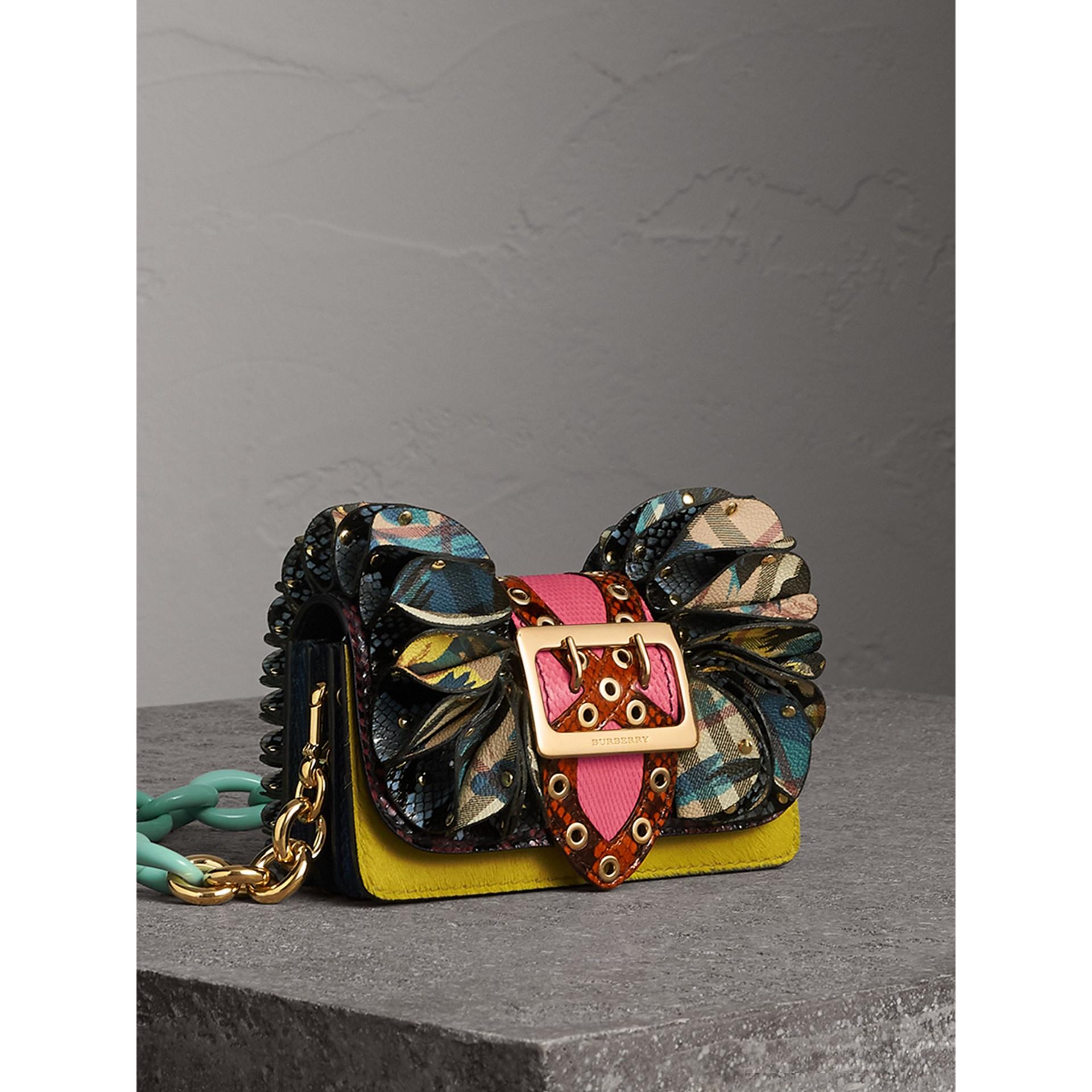 The Ruffle Buckle Bag aus Natternleder, Kalbfell und Check-Gewebe (Granatrosa) - Damen | Burberry - Galerie-Bild 7