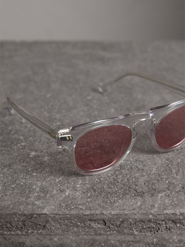 The Keyhole Round Frame Sunglasses in Crystal/pink | Burberry United States - cell image 2
