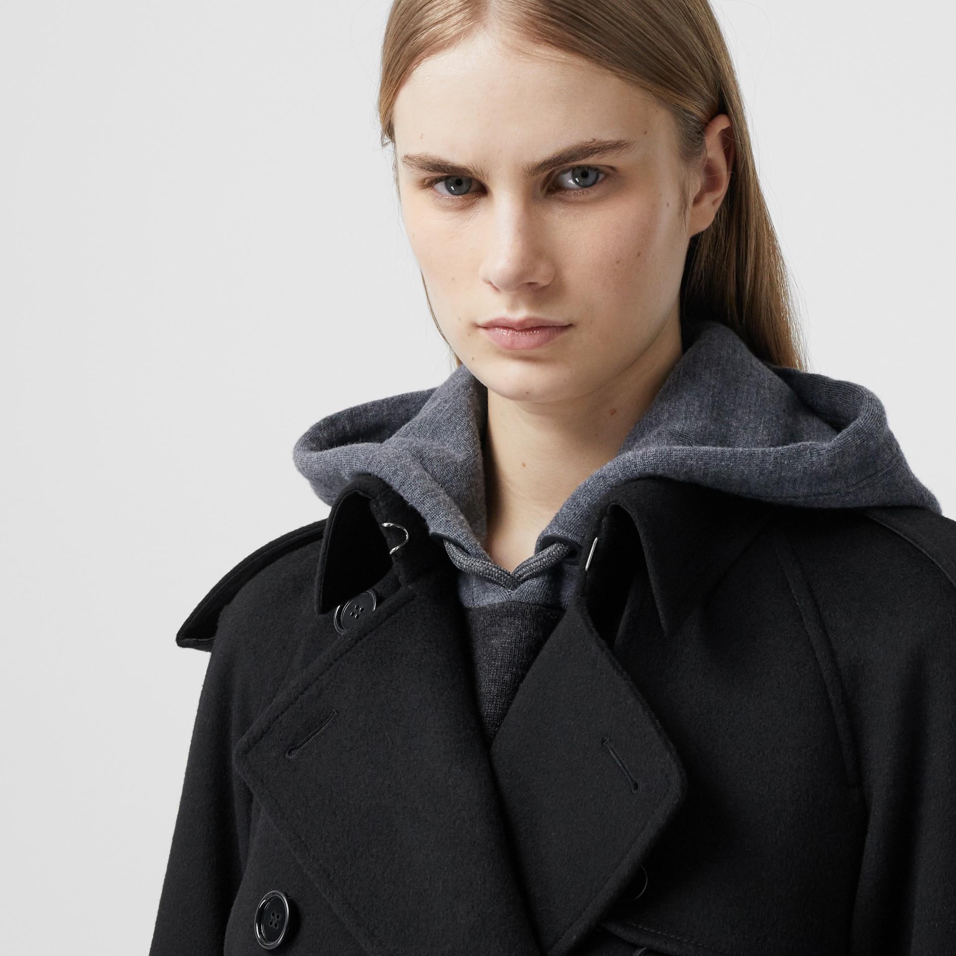 Тренч из шерсти и кашемира с бахромой (Черный) - Для женщин | Burberry - изображение 4