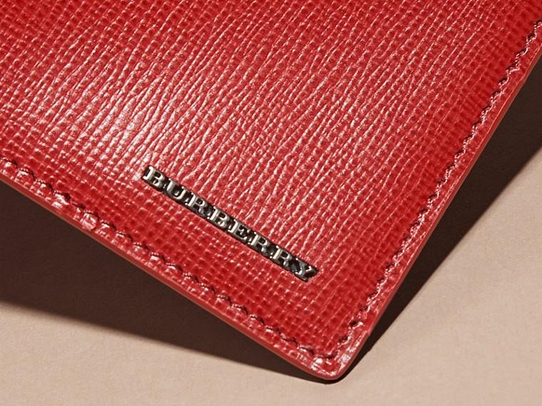 Rosso militare scuro Portafoglio a libro in pelle London - cell image 1