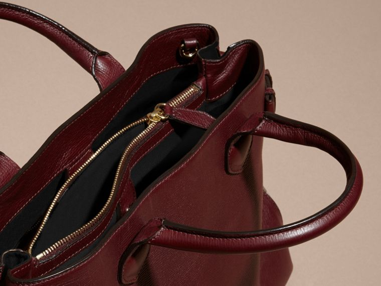 The Medium Banner in Leather and House Check in Mahogany Red - Women | Burberry - cell image 4