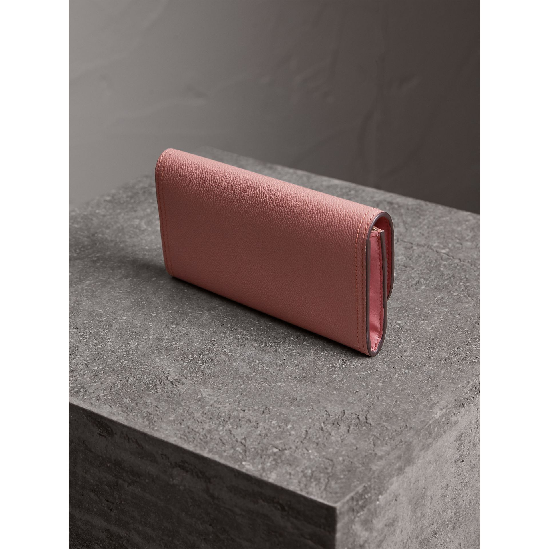 Grainy Leather Slim Continental Wallet in Dusty Pink - Women | Burberry - gallery image 3