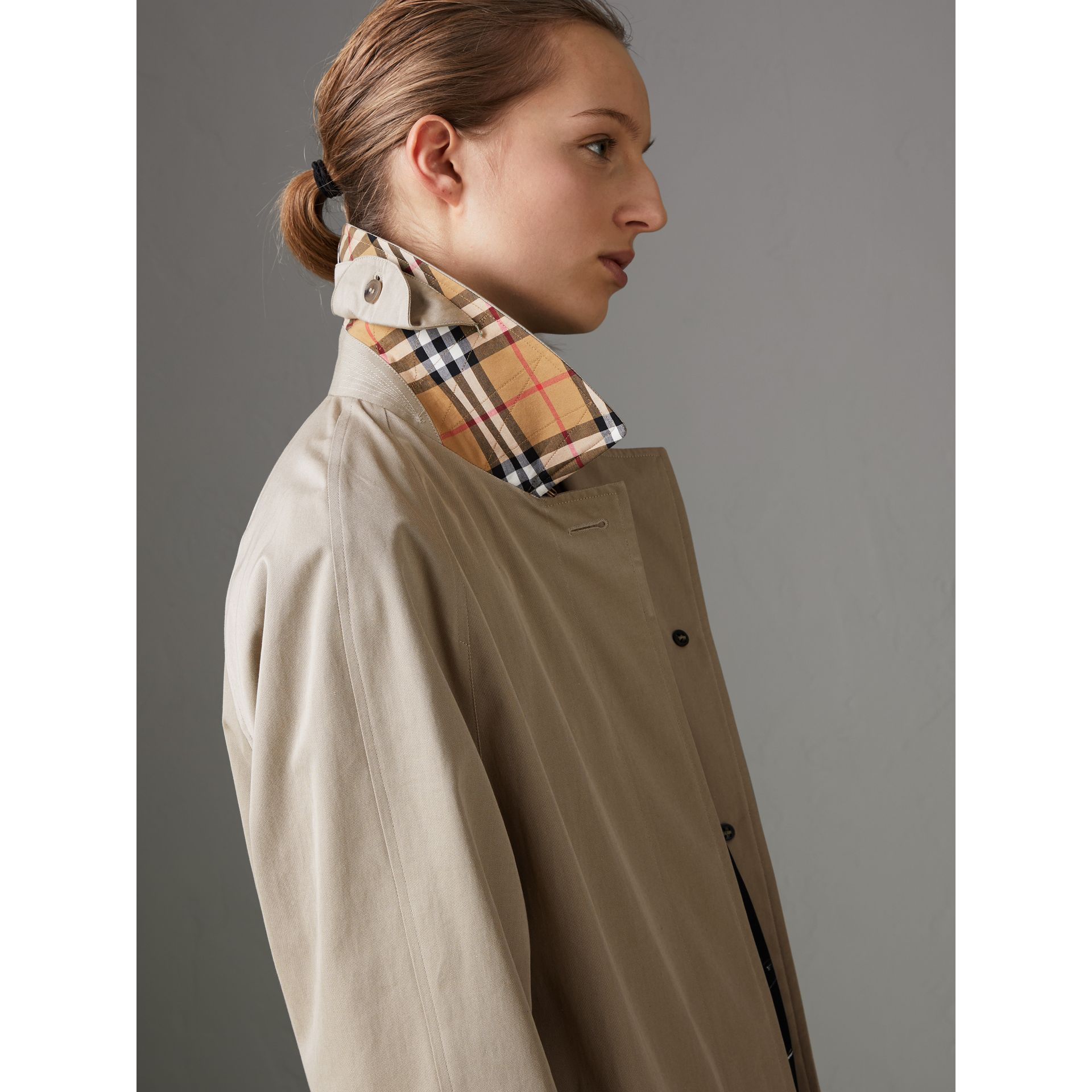 The Camden Car Coat in Sandstone - Women | Burberry United Kingdom - gallery image 4