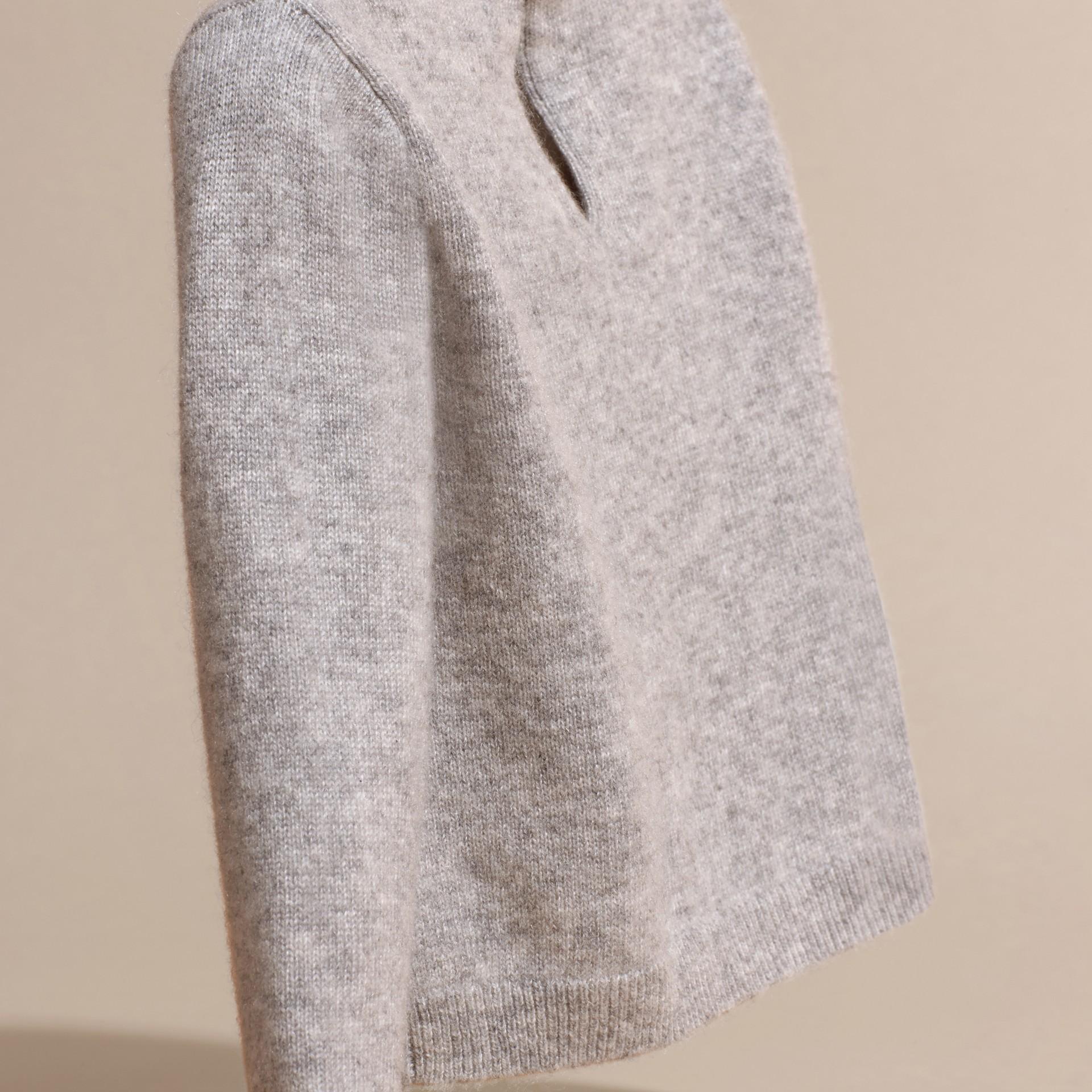 Grigio chiaro mélange Pullover in cashmere con gatto a intarsio - immagine della galleria 4