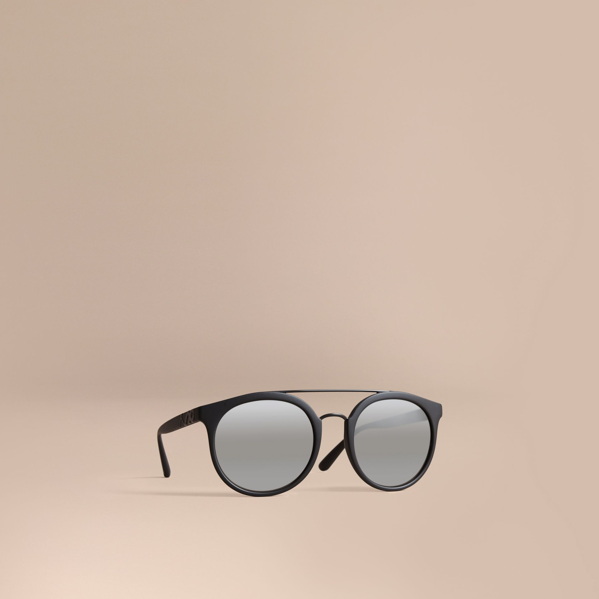Top Bar Round Frame Sunglasses in Black - Men | Burberry United States - gallery image 1