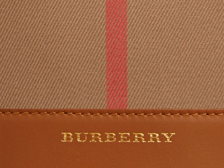 Toffee clair Petit sac Burberry Bucket en coton House check et cuir Toffee Clair - cell image 1