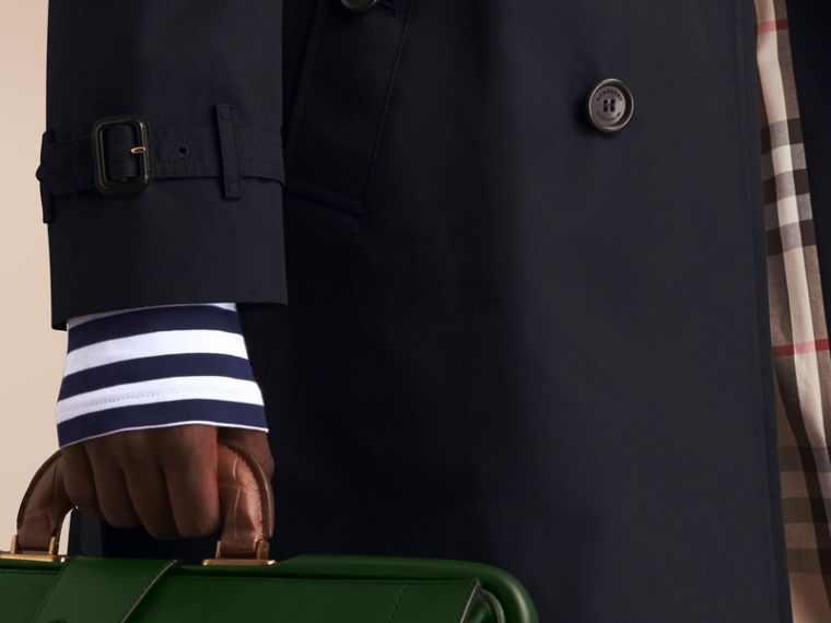 The Chelsea – Long Heritage Trench Coat in Navy - Men | Burberry - cell image 4