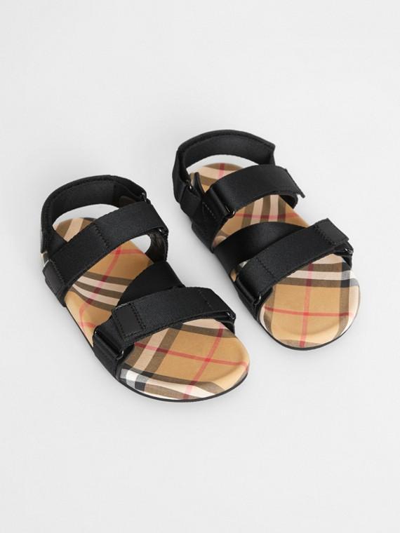 Sandalen mit Vintage Check-Muster und Ripstop-Riemen (Schwarz/antikgelb)