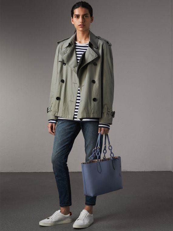 La borsa tote double face piccola con catena in resina (Blu Ardesia) - Donna | Burberry - cell image 2
