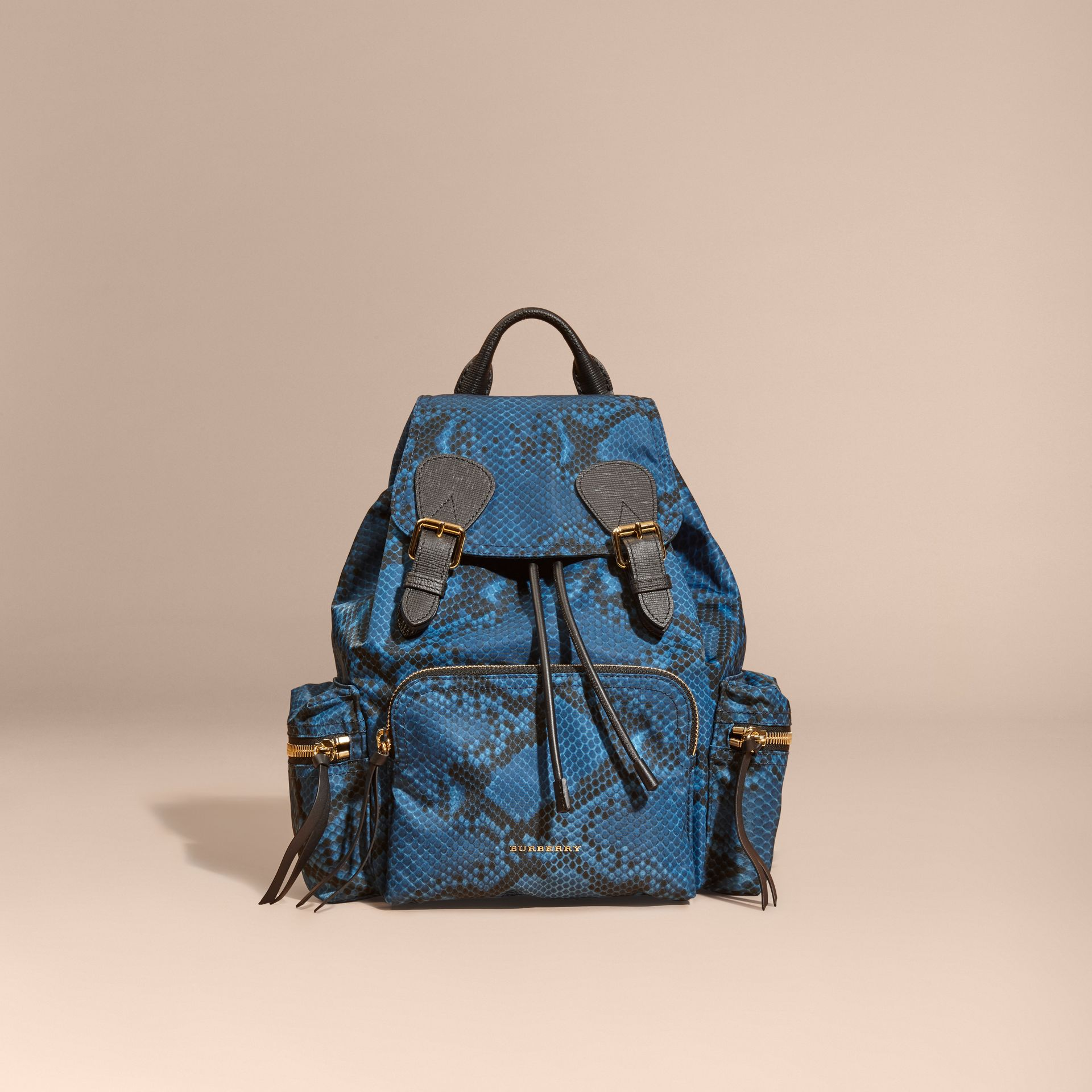 Sac The Rucksack medium en nylon à imprimé python et cuir Bleu - photo de la galerie 8