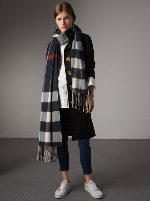 Oversize Check Cashmere Scarf in Navy | Burberry - cell image 2