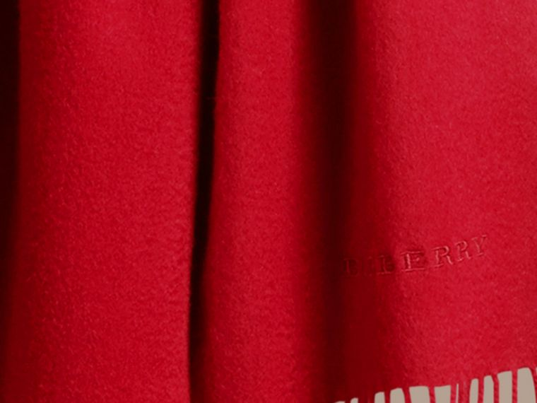 The Classic Cashmere Scarf in Parade Red | Burberry Canada - cell image 4