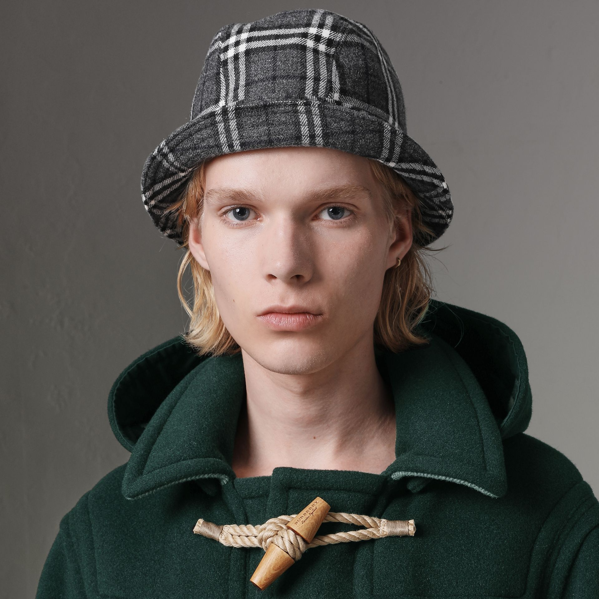 Gosha x Burberry Check Flannel Bucket Hat in Charcoal | Burberry - gallery image 3