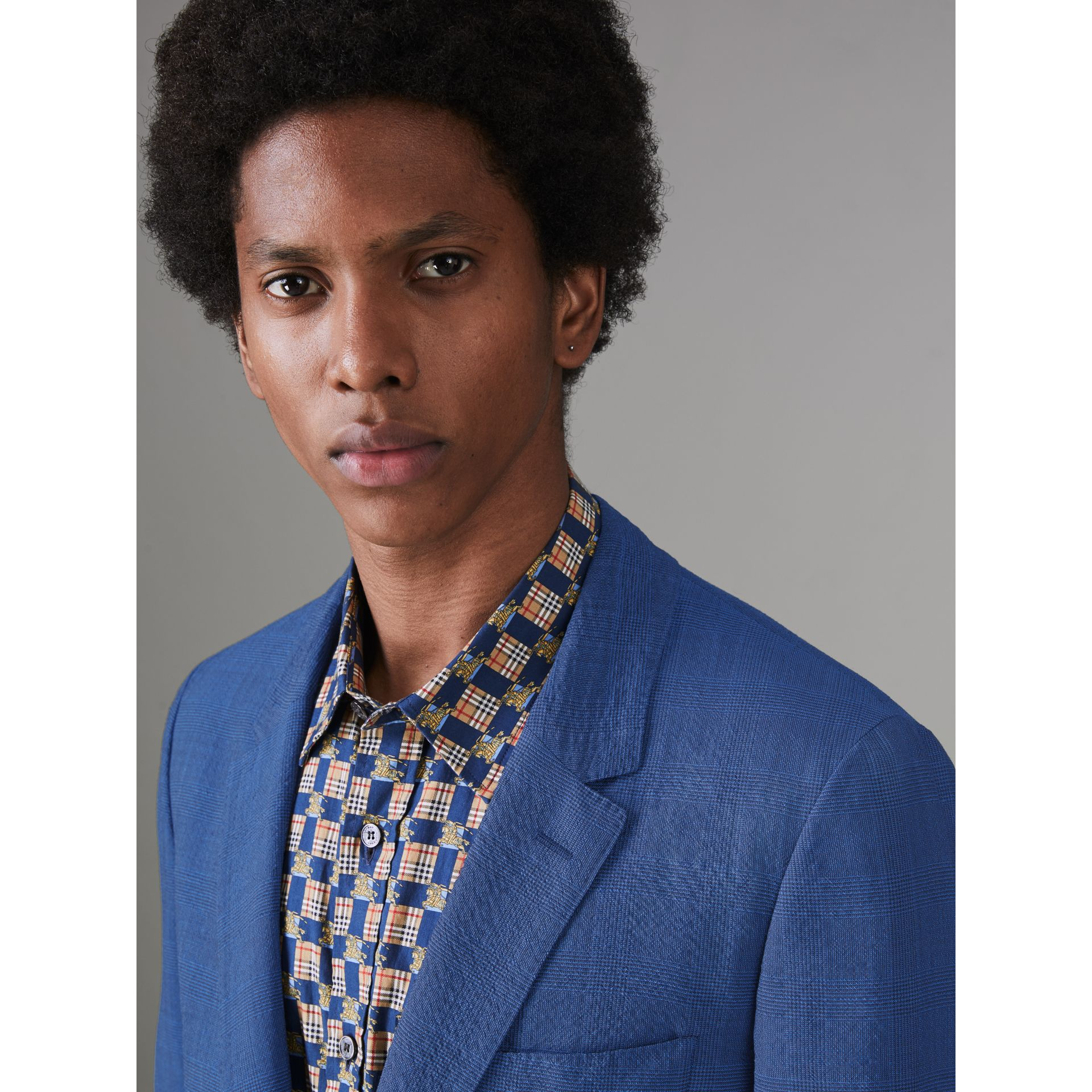 Veste de costume en laine extensible avec carreaux Windowpane (Marine Vif) - Homme | Burberry Canada - photo de la galerie 1