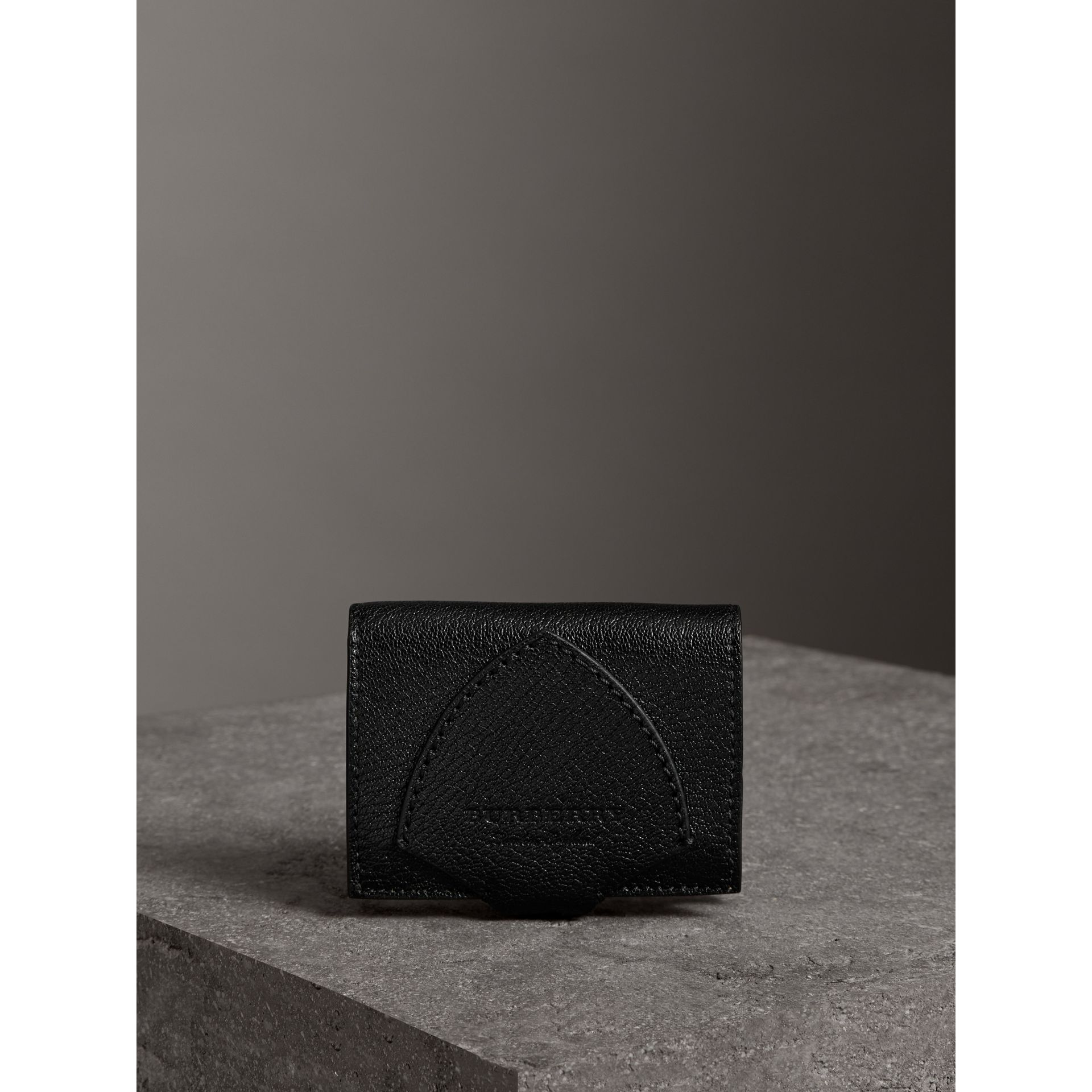 Equestrian Shield Two-tone Leather Folding Wallet in Black - Women | Burberry Canada - gallery image 4