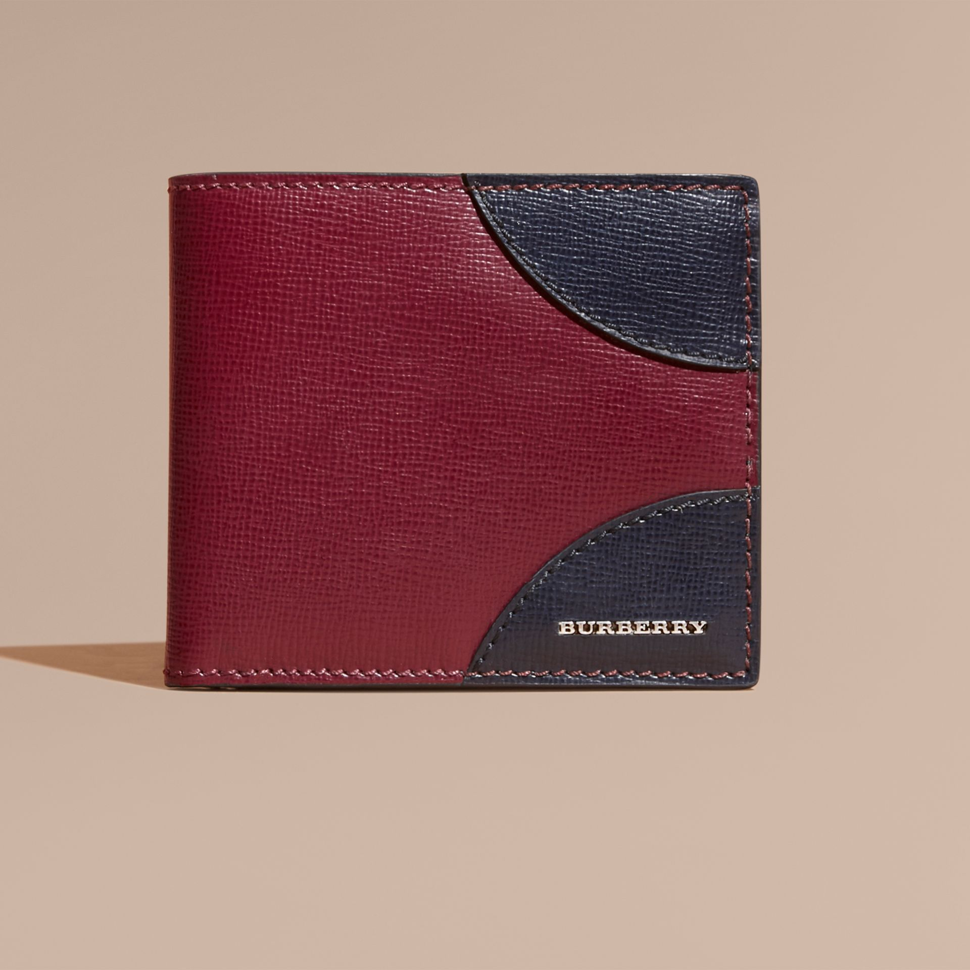 Two-tone London Leather International Bifold Wallet in Burgundy Red - gallery image 2