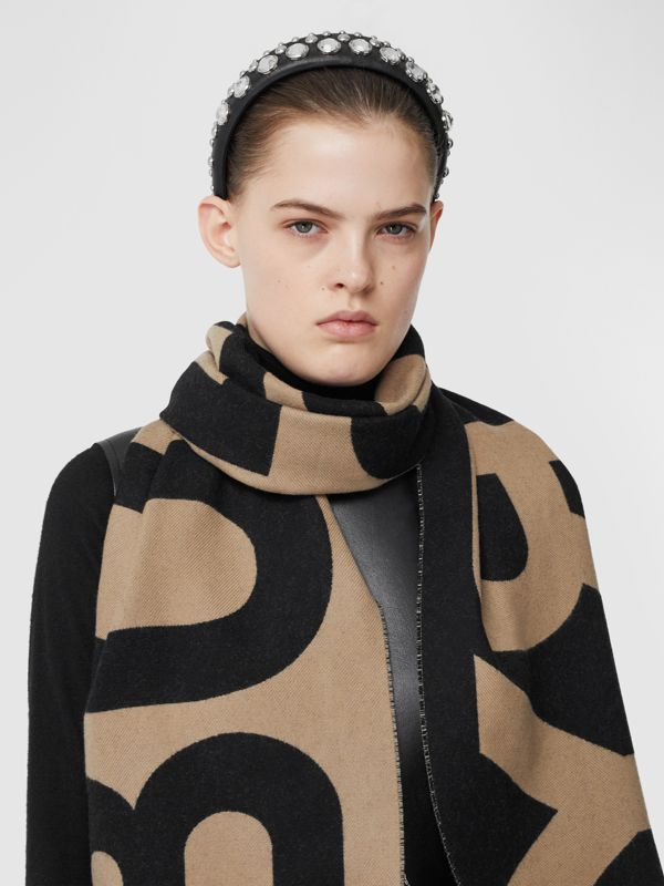 Logo Wool Jacquard Scarf in Archive Beige | Burberry - cell image 2