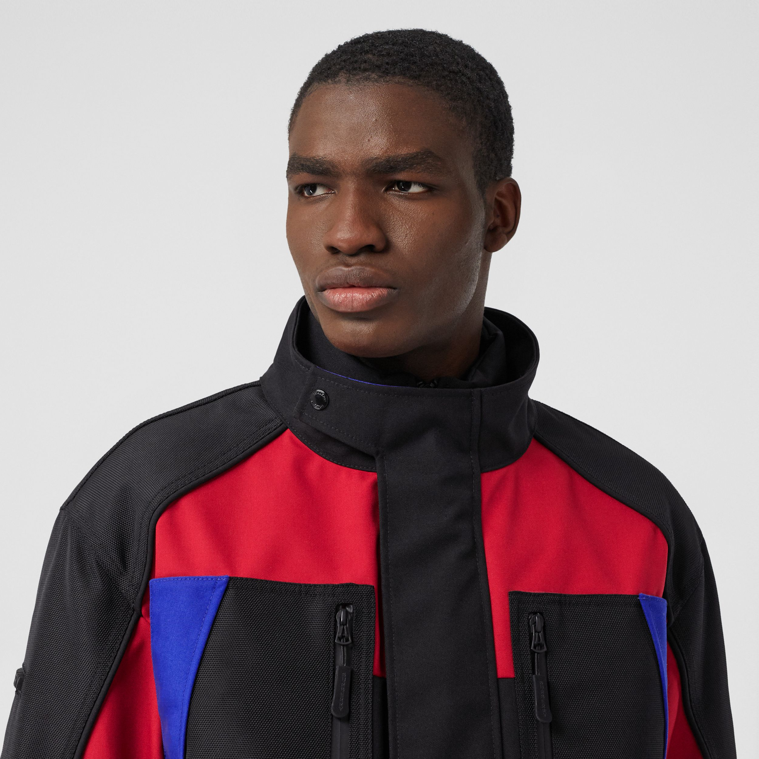 Colour Block Nylon Jacket with Detachable Puffer in Black - Men | Burberry - 2
