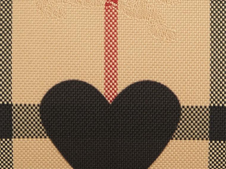 Noir Pochette medium à motif check et à cœurs bordée de cuir Noir - cell image 1