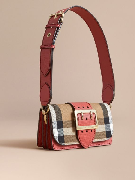Borsa The Buckle piccola con motivo House check e pelle