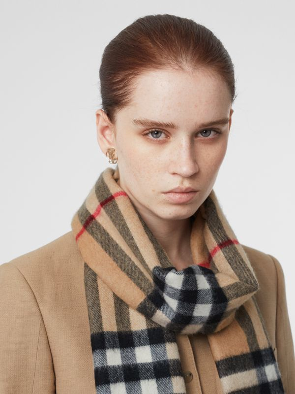 The Classic Check Cashmere Scarf in Camel | Burberry - cell image 2