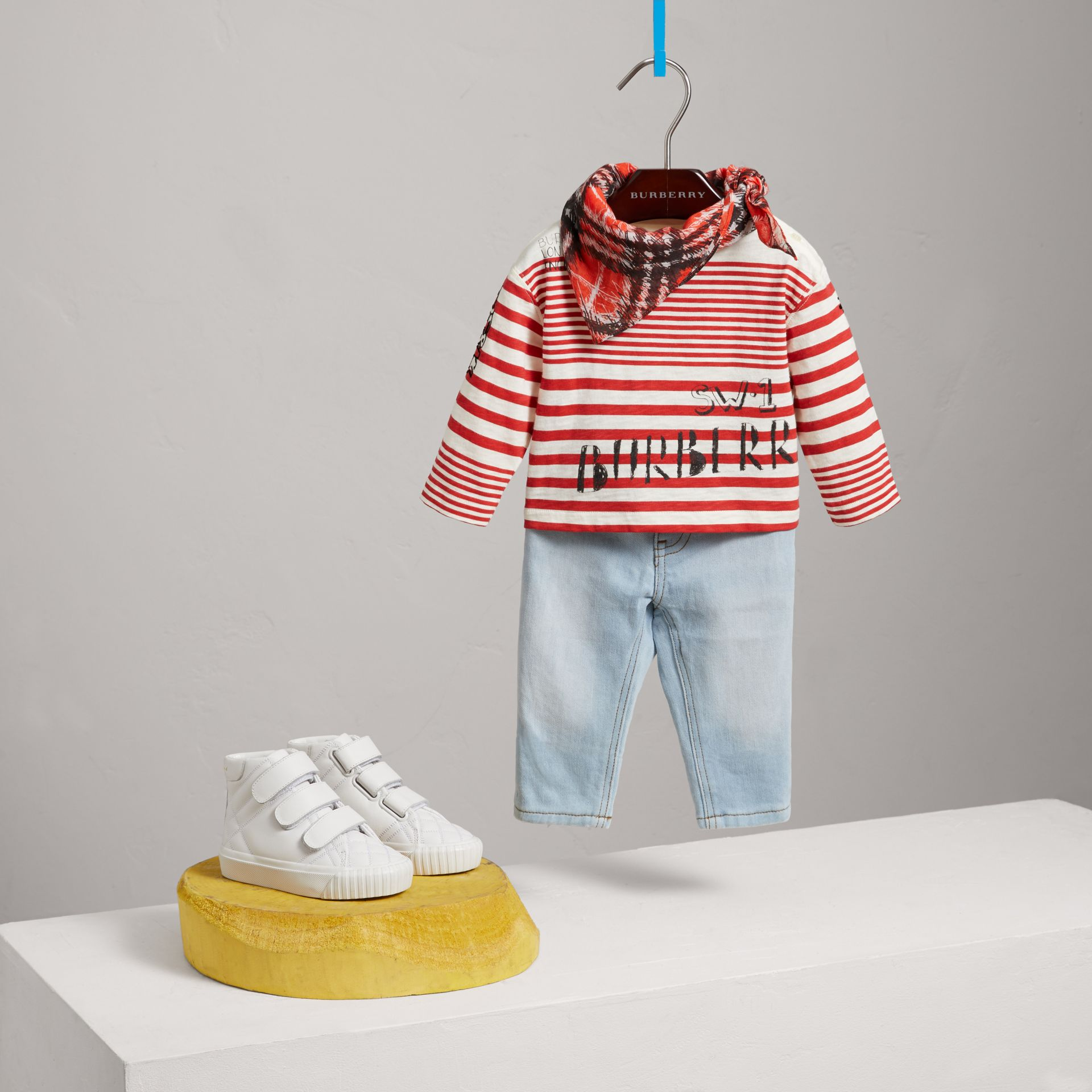 Long-sleeve SW1 Print Cotton Top in Bright Red/natural White - Children | Burberry - gallery image 2