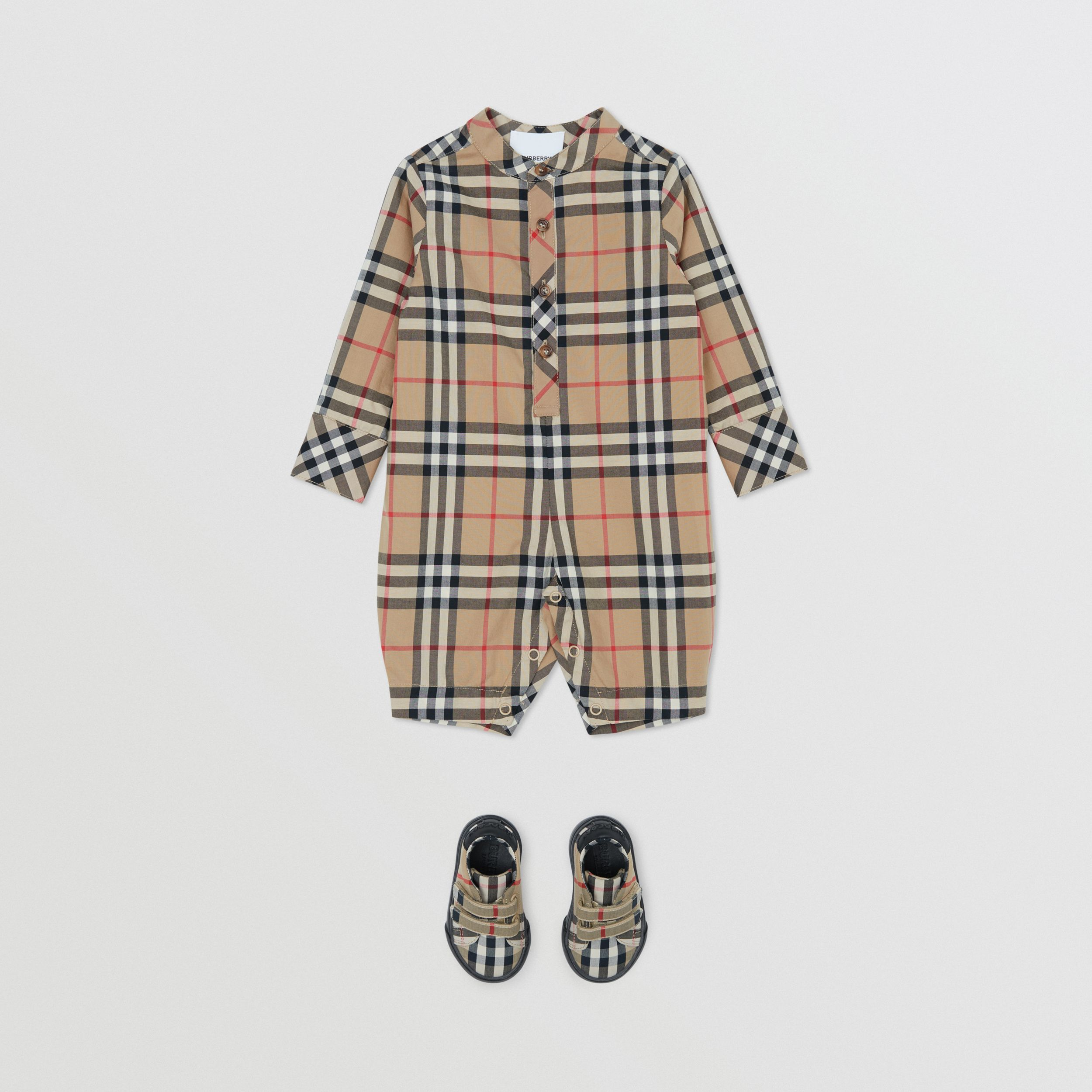 Vintage Check Cotton Jumpsuit in Archive Beige - Children | Burberry - 3