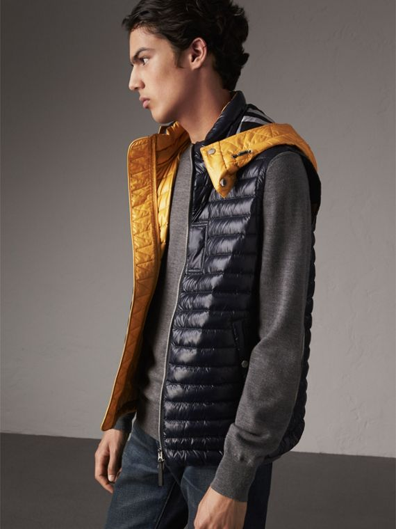 Detachable Hood Packaway Goose-down Gilet in Navy