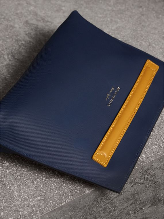Two-tone Trench Leather Wristlet Pouch in Ink Blue/ochre Yellow - Women | Burberry Australia - cell image 3